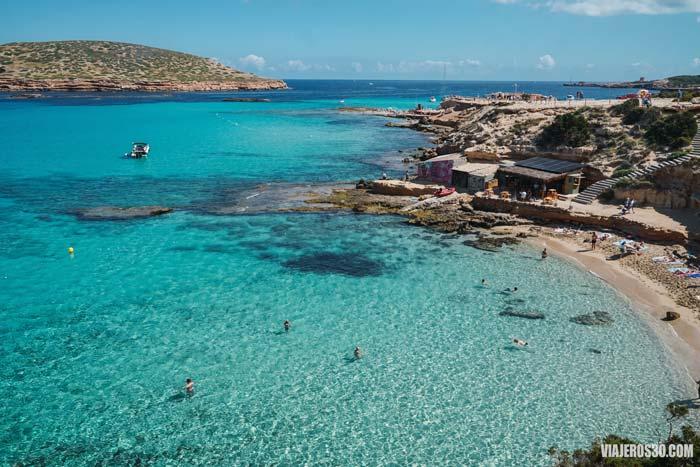 Cala Escondida, una de las mejores playas de Ibiza.
