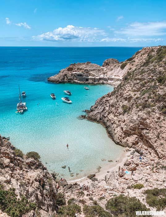 Cala Tarida, las playas más bonitas de Ibiza